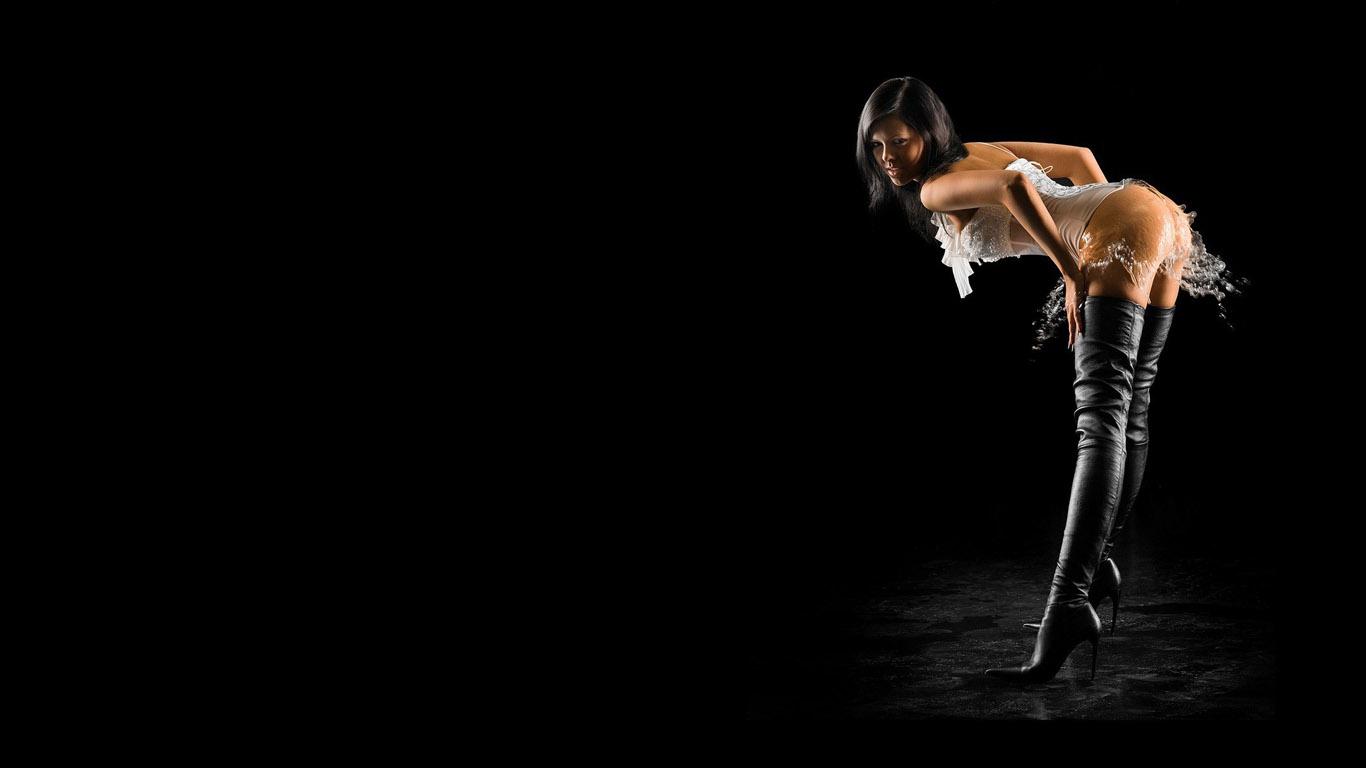 Черная попа проффесионално прыгает 24 фотография