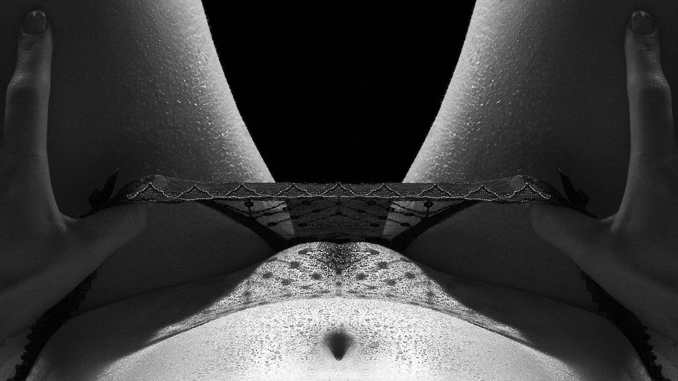 Раб стирает трусики жены 7 фотография