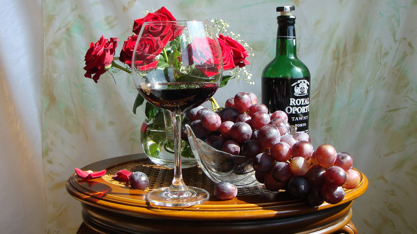 http://1366x768.ru/food-beverage/47/still-life-wallpaper-1366x768.jpg