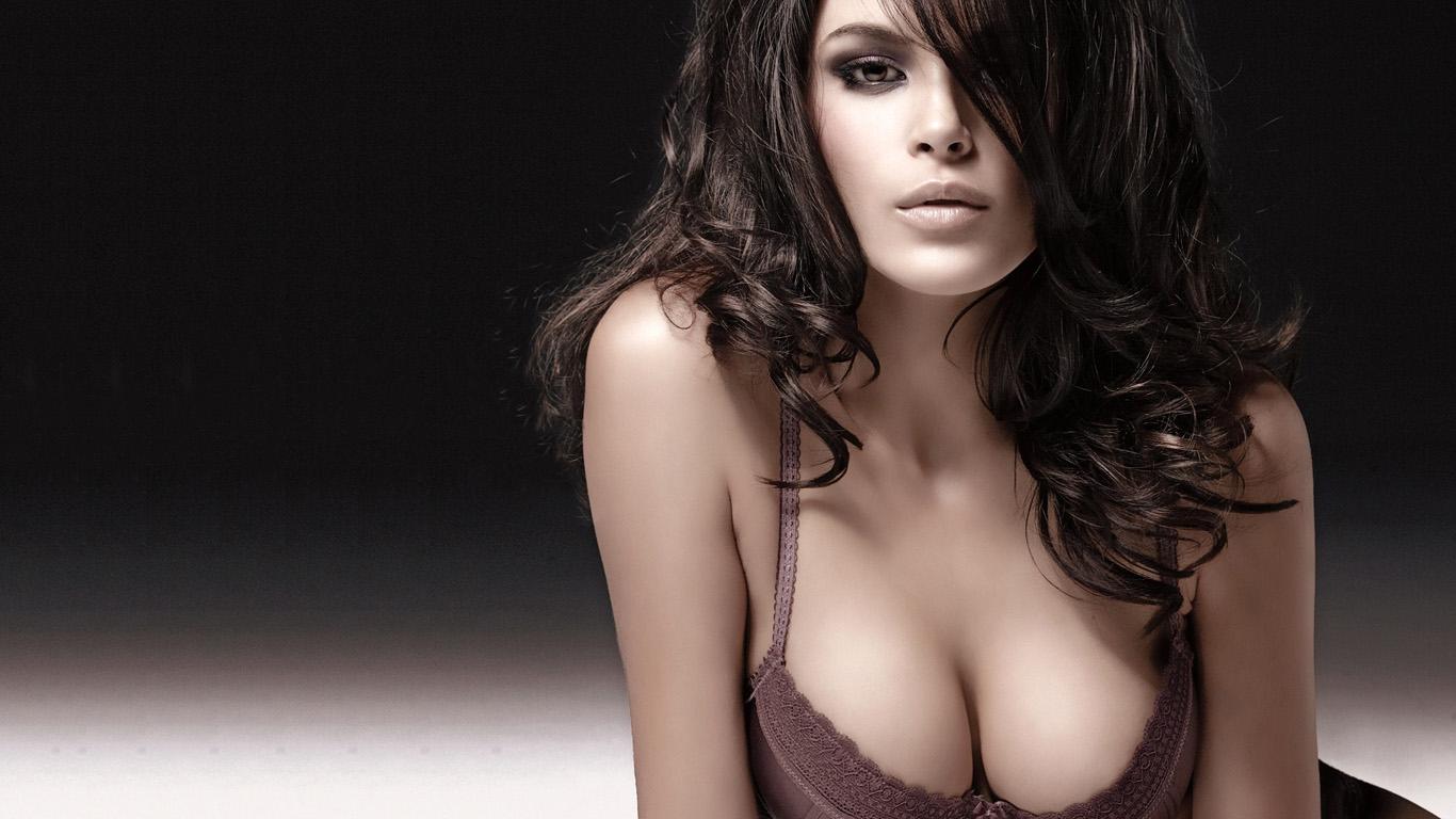 Фотографии реальных красивых девушек модели 26 фотография