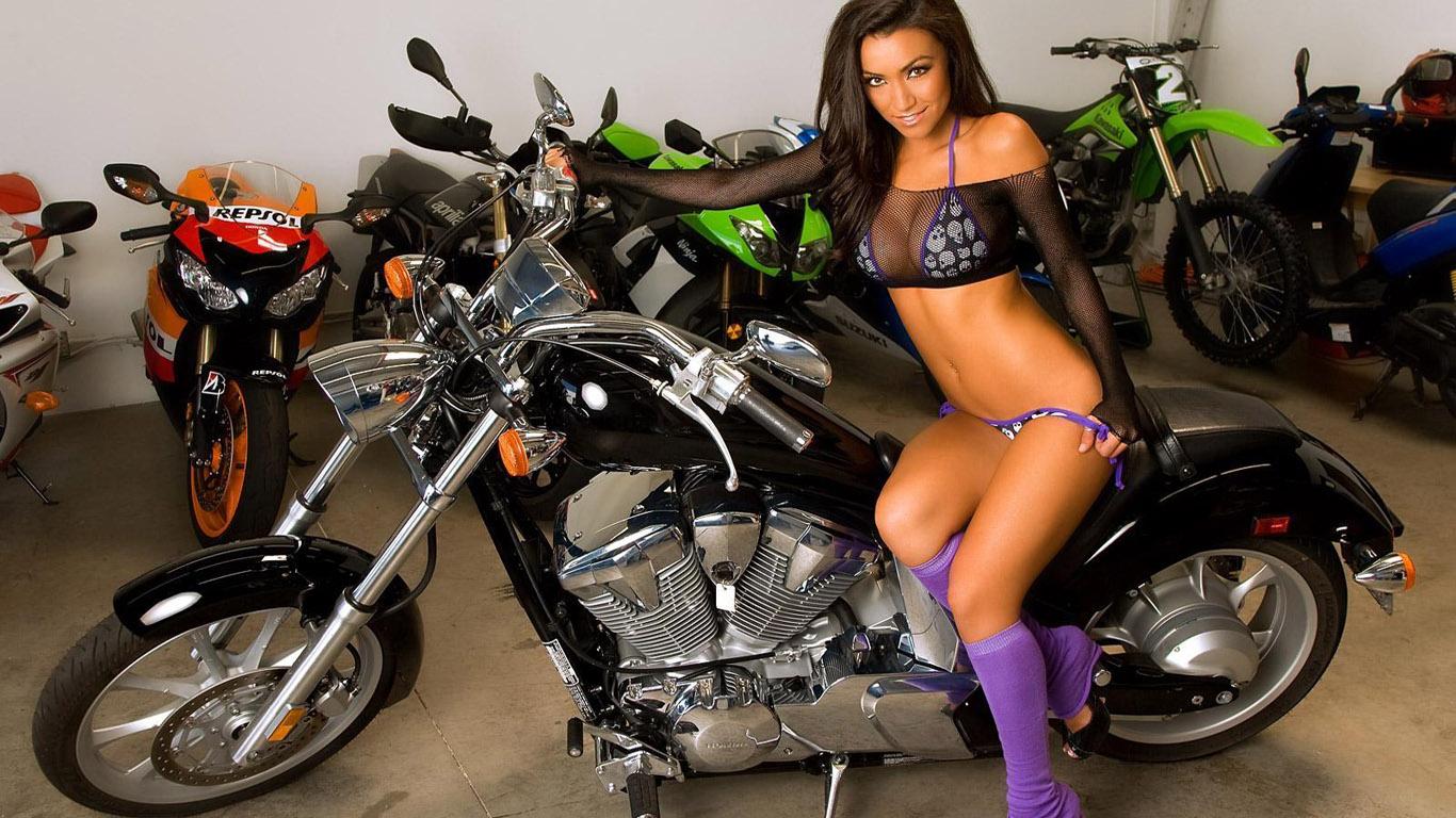 All nude motor